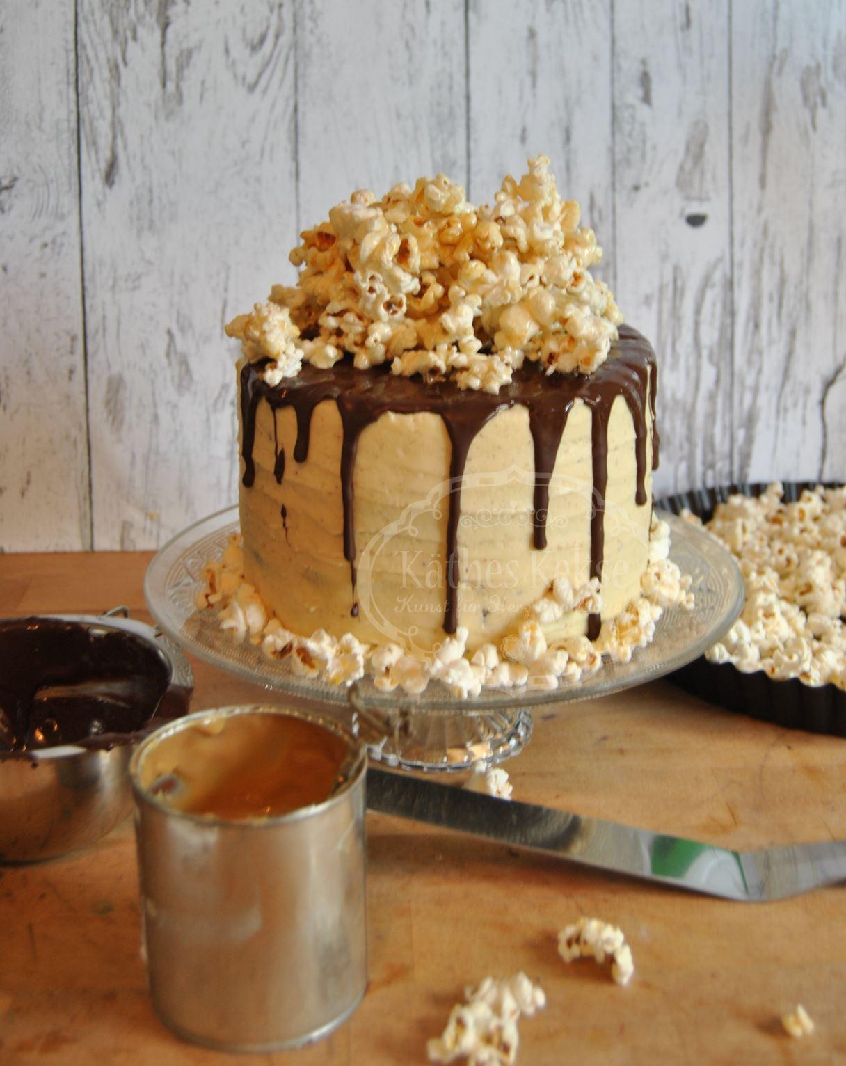 Karamell-Popcorn-Schokoladen Torte ohne Ei
